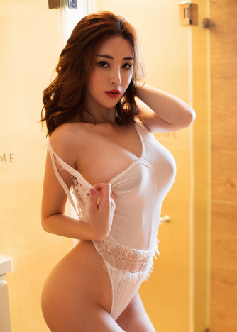 Escort  Kendra from South Kensington