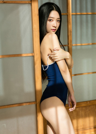 Escort  Nao from Aldgate