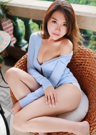 Escort  Ming from South Kensington